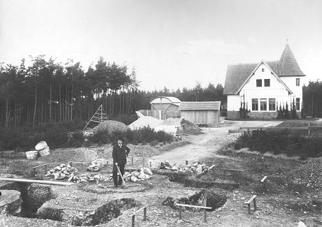 Josef Jan Frič na místě budoucí centrální kopule